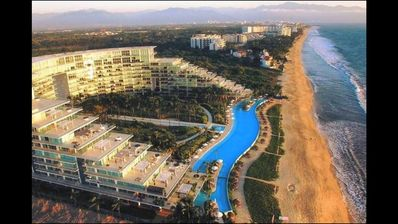 Photo for PENINSULA NUEVO VALLARTA LUXURY APARMENT INFRONTH THE BEACH! CONFO FRENTE AL MAR