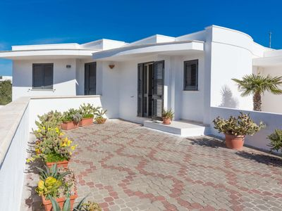 Photo for Peaceful and fully equipped, walking distance from sea