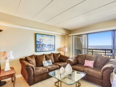 Photo for Penthouse Condo - Oceanfront w/ Pool, Wi-Fi & Great Views!