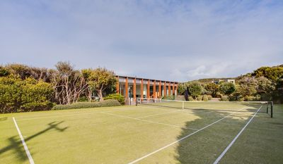 Photo for Back Beach Retreat - Modern accommodation with plunge pool & tennis court