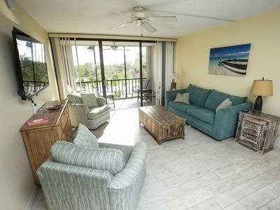 Photo for Beautiful 2 Bedroom Condo - Private Pool & Beach