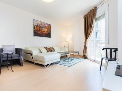 Photo for Golden Central Muntaner apartment in Eixample Esquerra with WiFi, air conditioning, balcony & lift.