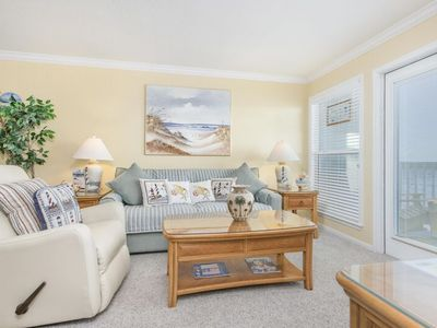 Beachfront Suite 2212- Amazing Picturesque View of the Beach and Sunrises