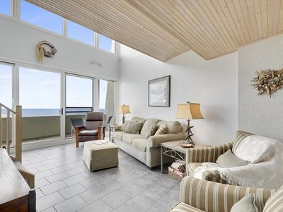 Photo for Spacious Oceanfront Condo - Heated Outdoor Pool, Volleyball & Great Views!
