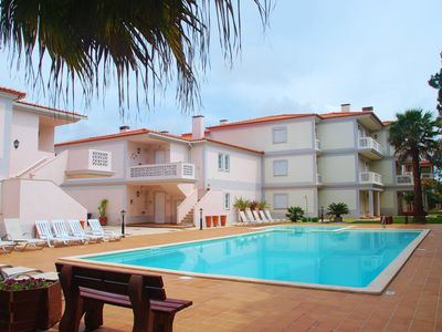 Photo for Apartment on the ground floor in the beautiful golf resort of Praia d'el Rey