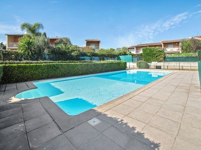 Photo for 1br flat with swimming-pool and parking close to sea and beaches - Welkeys
