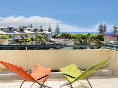 Photo for 2 Bedroom Apartment in Tindarra, Just opposite the Alexandra Headlands Beach