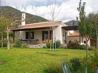 Charming house and garden close to peaceful beach