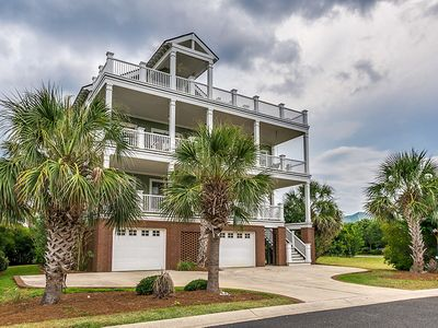 Photo for Sprawling Home Close to the Beach Club