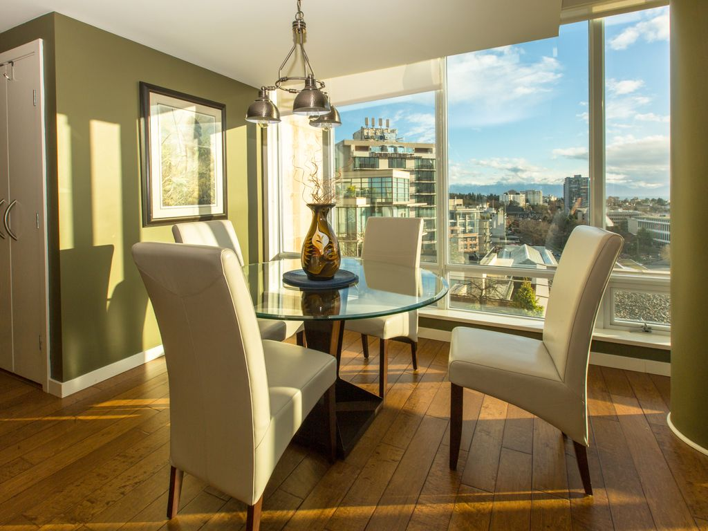 Fantastic views from this 15th floor condo vrbo for 15th floor on 100 floors