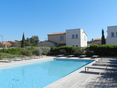 Photo for One bedroom Apartment, sleeps 2 in Cirendinu with Pool and Air Con