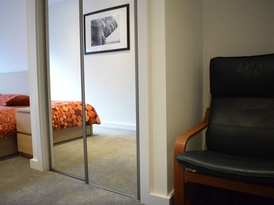 Photo for 2 Bedroom Apartment Close to Central London