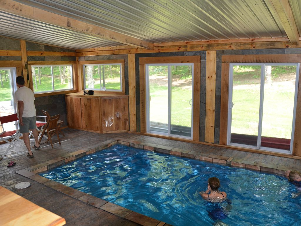 Log Cabin Lodge With Indoor Pool Accommodates Up To 16 Bladensburg Ohio