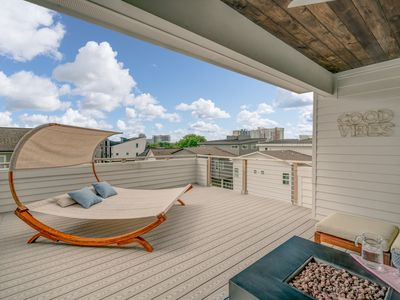 Photo for Spacious, Stylish 4-Bed with Roofdeck! Minutes from the Gulch & Downtown