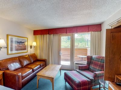 Photo for Charming room w/shared hot tub, pool,  free airport shuttle - walk to lifts!