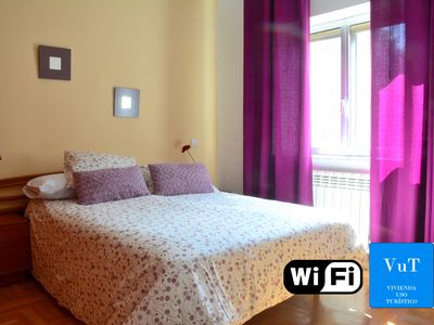 Photo for Historical Center, Salamanca. 5 people, 3 rooms., 5 minutes from the main square
