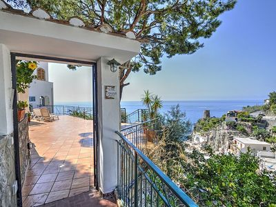 Photo for 4 bedroom Villa, sleeps 10 in Praiano with Air Con and WiFi