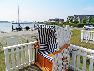 Photo for Holiday home with water view, beach chair and barbecue for up to 5. people