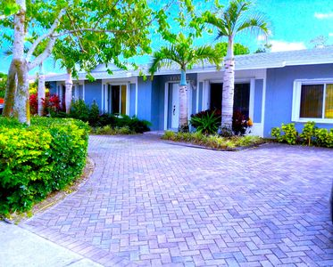 Photo for The Falls 7 bedrooms/3 bathrooms-16+ persons, Pool, BBQ, Miami