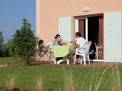 Photo for Pleasant holiday park with lovely swimming pool in the heart of the Provence