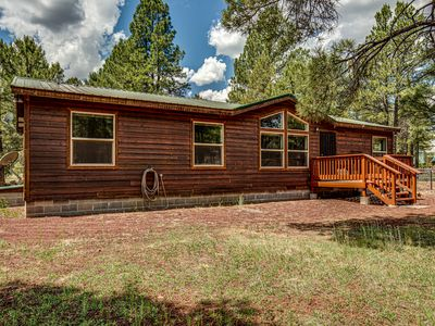 Bull Elk Lodge a cozy cabin in the woods of Northern Arizona