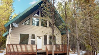 Photo for PARADISE PINES⭐️HOT TUB FREE WIFI LOCATED ON WATERFRONT SUB. SAT TV 35 MINS TO WEST YELLOWSTONE