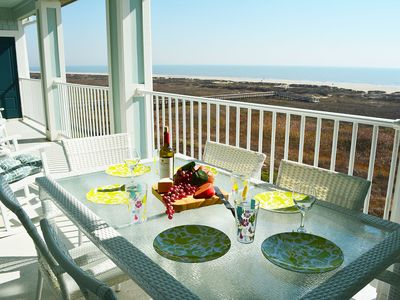 Beachfront!! Book Now For Vacation Fun at Beachfront Paradise!