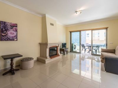 Photo for Deluxe Spacious 2 bedroom Apartment close to the beach, Private parking and WIFI