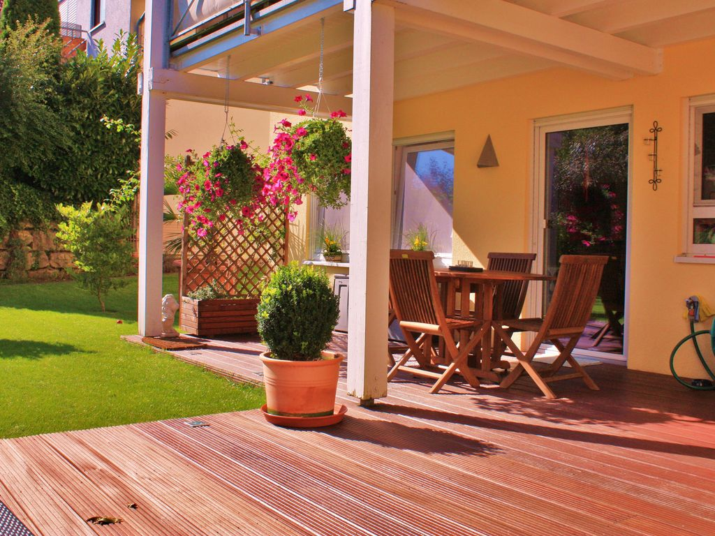 Non Smoking Apartment With 2 Large Wooden Terrace And Garden Few Min To The Lake Uhldingen