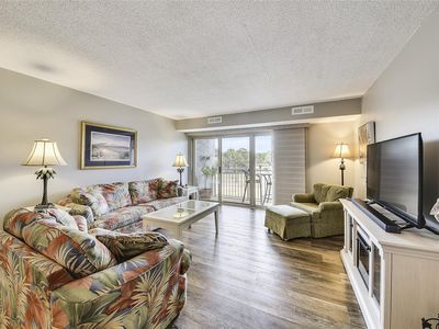 Photo for Cheerful 2 bedroom / 2 bath in Bluff Villas located in South Beach Sea Pines!