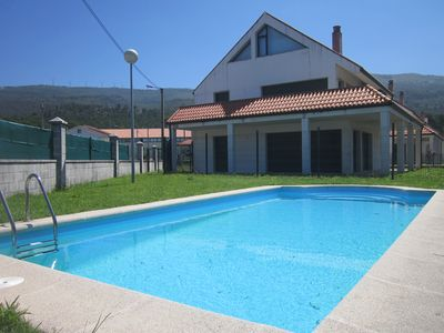 Photo for Carnota: Apartment in quiet area with pool