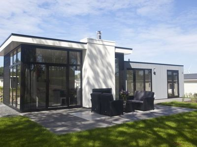 Photo for Vacation home DroomPark Spaarnwoude in Halfweg - 4 persons, 2 bedrooms