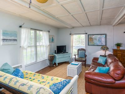 Photo for Tybee Lighthouse Cottage (A): Stroll to the beach!