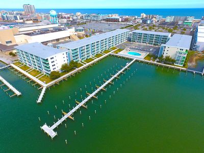 Photo for Thunder Island 126C-Baywater 39th St, Free WiFi, Pool, Elev, W/D, AC