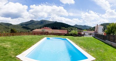 Photo for Ideal for groups. Barbecue, jacuzzi, pool, beach, mountain. Relax and enjoy it