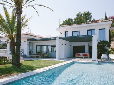 Photo for Holiday house with spectacular sea views over the Bay of Javea