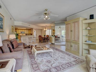 Photo for Upscale corner condo with a shared pool, hot tub, and easy beach access