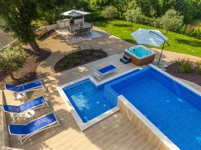 Photo for NEW: Luxury Villa Almedina for 10 people. with pool + whirlpool + sauna