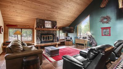 Photo for Pleasant Cabin near Fort Rock Park w/ WiFi, Hot Tub, Fireplace & Free Sharc Pass