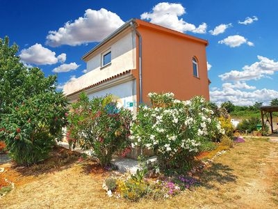 Photo for Apartment 1406/13174 (Istria - Pula), Budget accommodation, 2500m from the beach