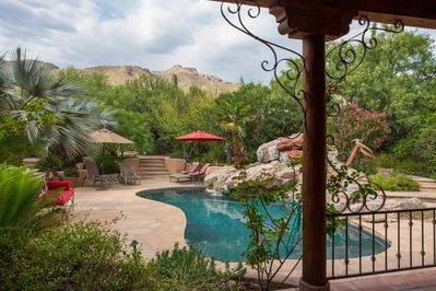 An oasis of lush desert, with stunning views on mountains