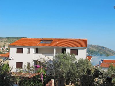 Photo for Apartment Jakas (TGR128) in Trogir - 6 persons, 2 bedrooms
