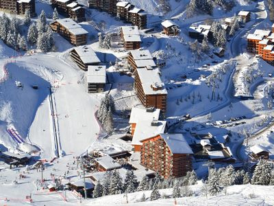 Photo for Comfortable apartment a short distance from the ski slopes in Meribel-Mottaret