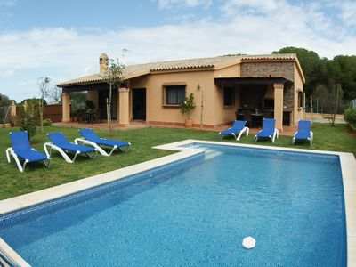 Photo for Country house 3 bedrooms with swimming pool at 1500 m from the beach