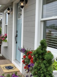 Photo for Chic Summer Cottage Minutes from Narragansett Beaches