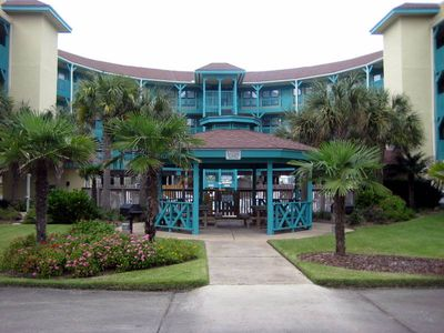 SeaBreeze Entrance Gazebo and Grill area