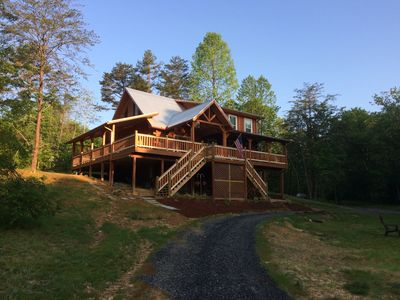 Photo for New ! Log Cabin/Farmhouse Decor Family & Business Friendly 5 Minutes from Town