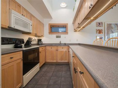 Photo for 3.5bd/3ba Rendezvous D 4: 3.5 BR / 3 BA condominiums in Teton Village, Sleeps 10