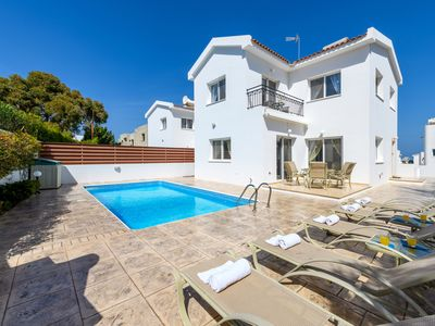 Photo for 3 bedroom villa with private swimming pool located in Cape Greco