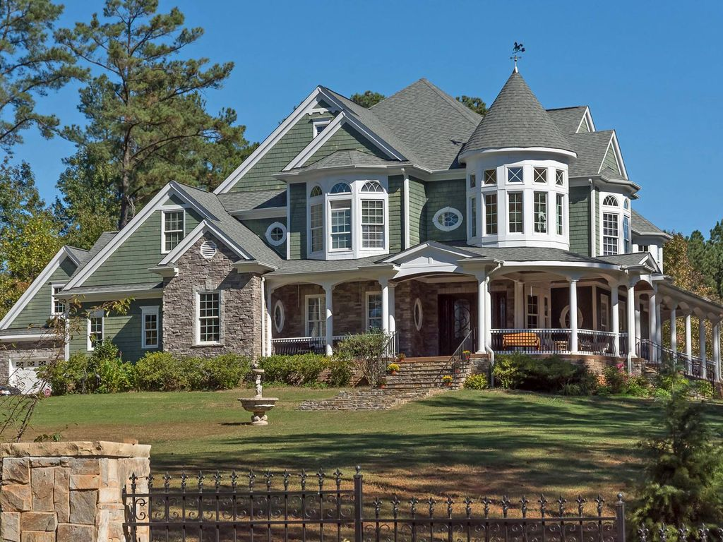 Luxury Victorian Home - Wake Forest